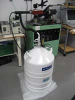 低温実験装置