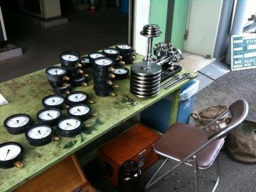 圧力計の検定