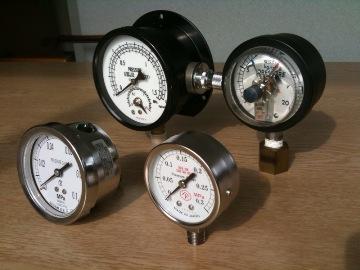 高圧ガス用圧力計