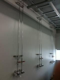 ガス機器の壁への施工