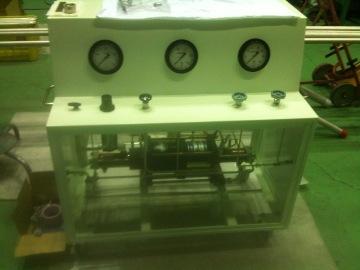 高圧ガスブースターポンプユニット