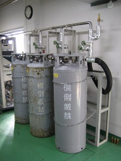 液体窒素容器集合装置(マニホールド)