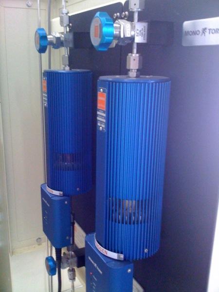 ガス精製器