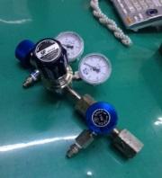 SUSを浸食する腐食性ガス