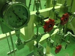 40MPaオーバー 超高圧ガス設備(マニホールド)