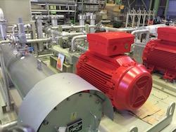 大型機器の配管設備