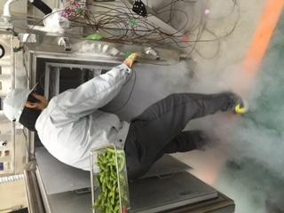 2015.10.20液体窒素商品冷凍3.JPG