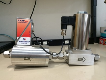 低蒸気圧液化ガス用かな?  超低圧損MFC