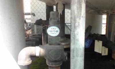CO2タンク2.jpg