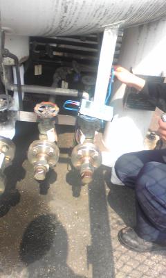 CO2タンク7.jpg