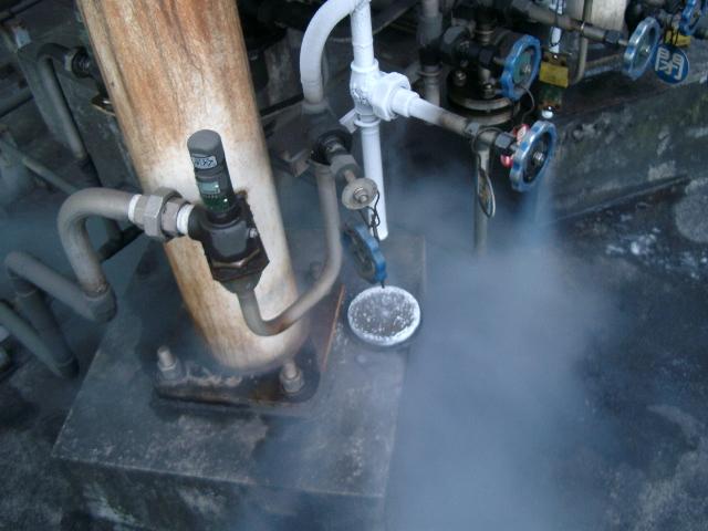 液化ガスタンク 安全弁