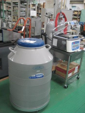 LN2 165L容器.JPG